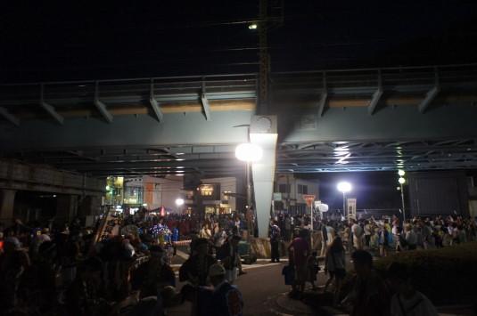 若宮八幡宮例祭 神輿 橋の下