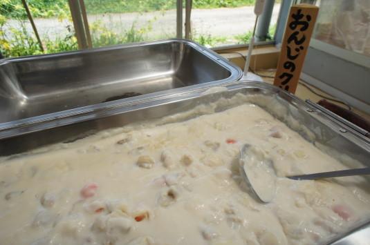 アルムおんじの台所 料理 おんじのクリームシチュー