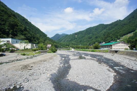 丹波山村やまびこ橋 景色 上流
