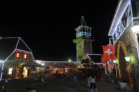 ハイジの村 夏の夜 中