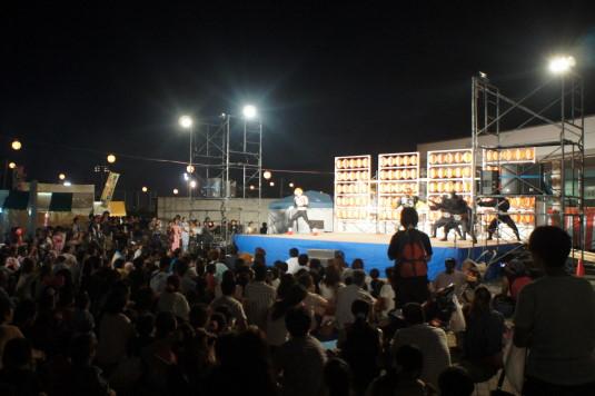 一宮大文字焼き祭り メインステージ サクライザー