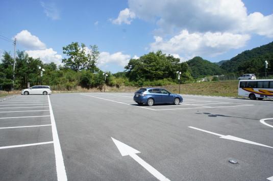 おっぱい公園 駐車場
