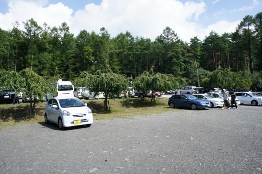 オムライス 農家の食卓 駐車場