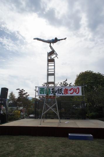 西嶋和紙まつり 中国雑技団 タワー