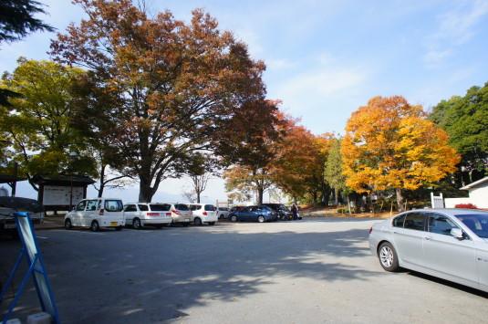紅葉 信玄堤 駐車場