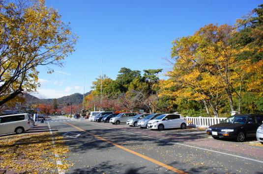 紅葉 武田神社 駐車場1