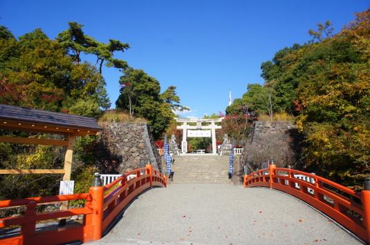 紅葉 武田神社 入口