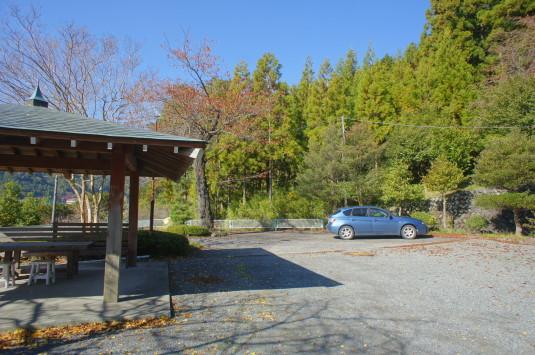 紅葉 南部八幡神社 駐車場
