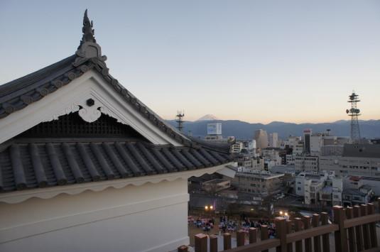甲府城鉄門 富士山