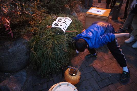 田野道祖神祭り 飾る