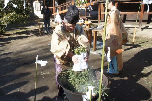 湯立て祭り 美和神社 木