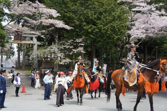勝山やぶさめ祭り 神社前