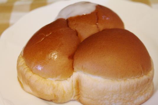 ローソン 山梨パン 富士3色パン