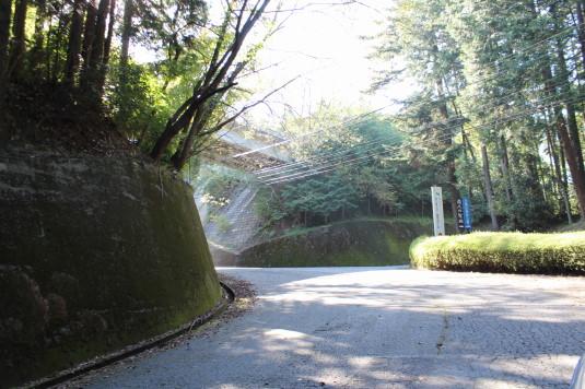 白鳥山公園 クルマ入り口