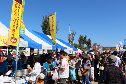 昭和町ふれあい祭り グルメ