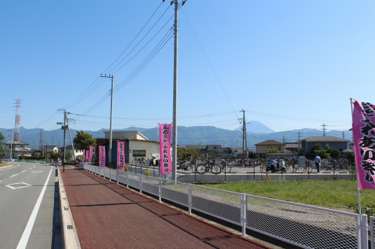 昭和町ふれあい祭り 駐輪場
