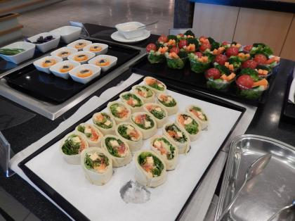 ペルー2014.1成田空港デルタ航空ラウンジ飲食カウンター