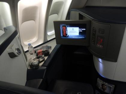 ペルー2014.1成田空港出発デルタ航空機内シート