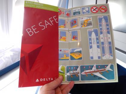 ペルー2014.1成田空港出発デルタ航空機安全のしおり