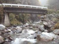 2.上の小屋出合いの平瀬橋