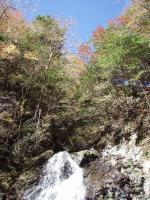 20.滝と紅葉