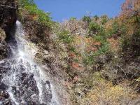 28.滝と紅葉