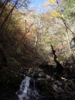 26.滝と紅葉