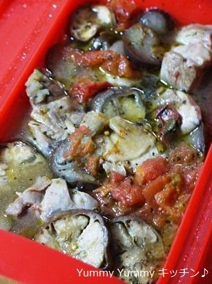 ルクエ×スパイスクッキング☆鶏肉と茄子のトマト煮♪縦