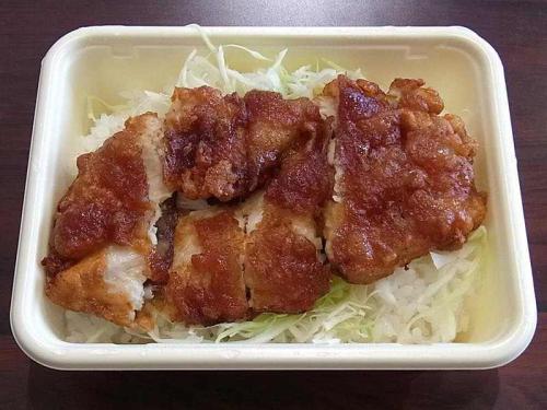 チキンタツタ丼