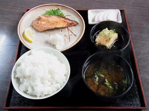 焼魚鮭定食