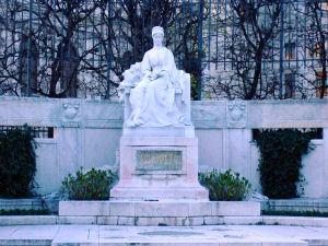 エリーザベト像