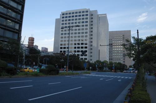 平川門のとこの交差点
