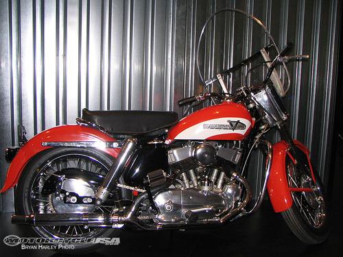 Elvis-Presley-Motorcycle