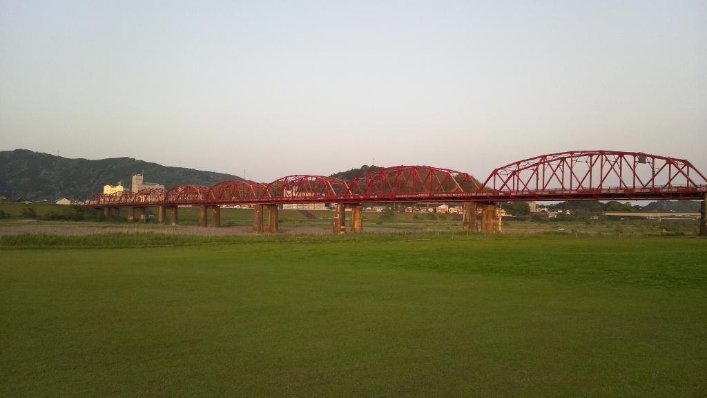 赤鉄橋・公園