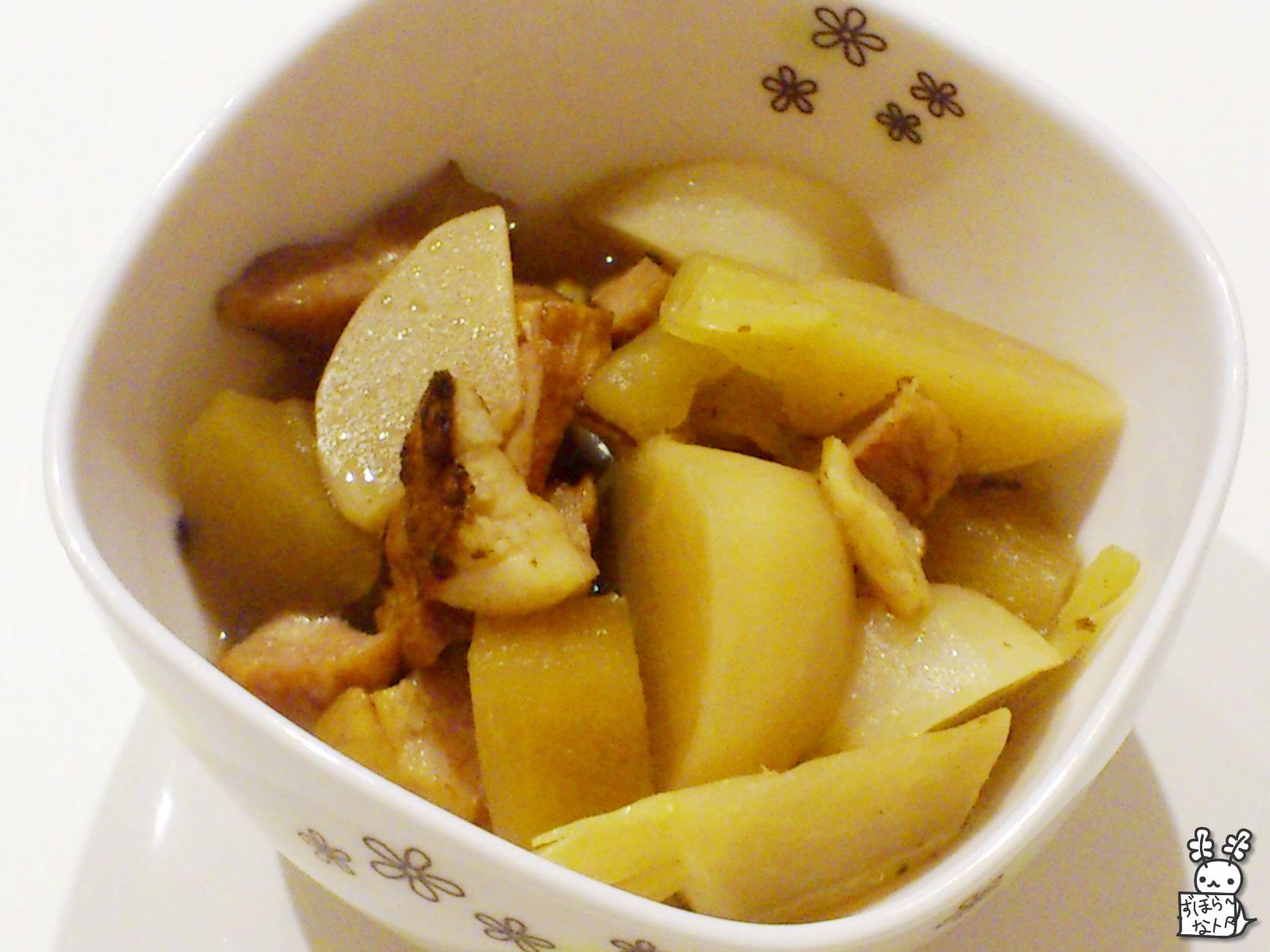 カブとリンゴとベーコンのスパイシー煮込み