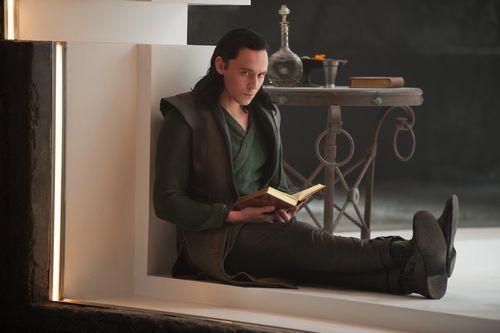 3424110-thor-the-dark-world-tom-hiddleston.jpg