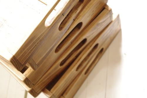 アンティーク風な木製トレー