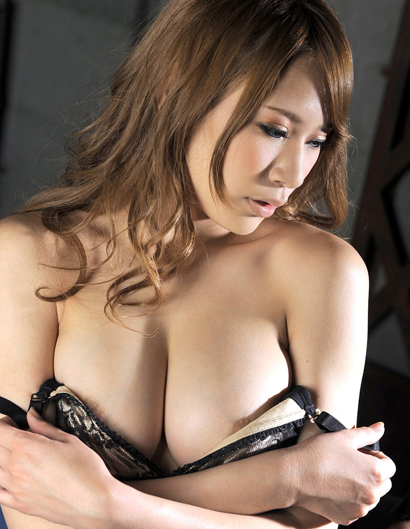【No.12587】 綺麗なお姉さん / 愛乃なみ