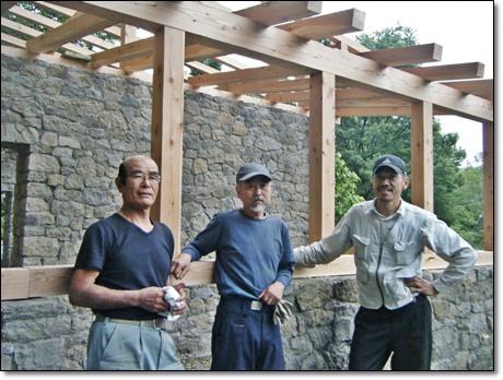 左から石井さん、主(あるじ)、杉山さん