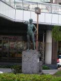 土浦駅北口裸婦像