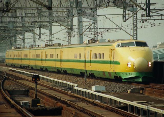 JR-E-965-Dr+yellow_convert_20140114180949.jpg
