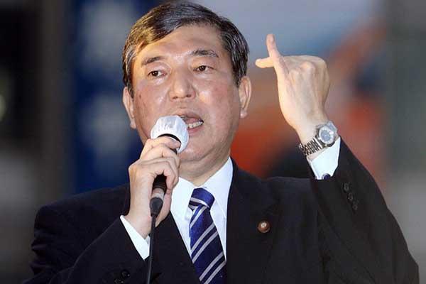 自民党・石破茂幹事長インタビュー 首相との不仲説の真相は?! - 韓国経済.com