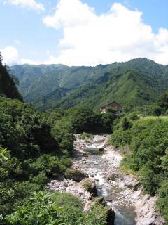 玉川と梅花皮荘