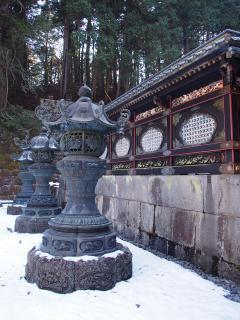 唐門と灯籠