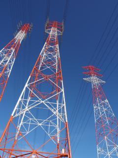 鹿島港の送電鉄塔