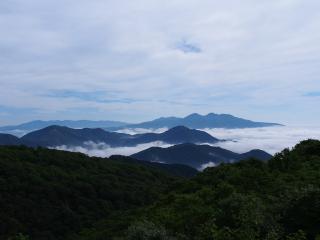 栗山ダム周辺の山々