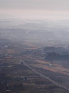 愛宕山 朝靄の風景