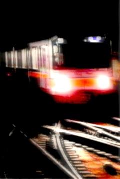 s地下鉄暗闇から01240357