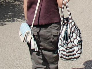 街歩きバッグ