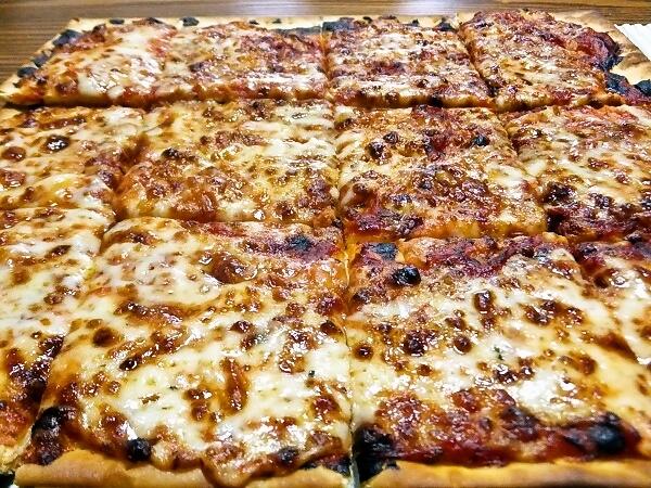 ピザハットのベーシックピザ